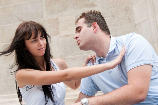 que-hacer-cuando-alguien-te-rechaza-un-beso
