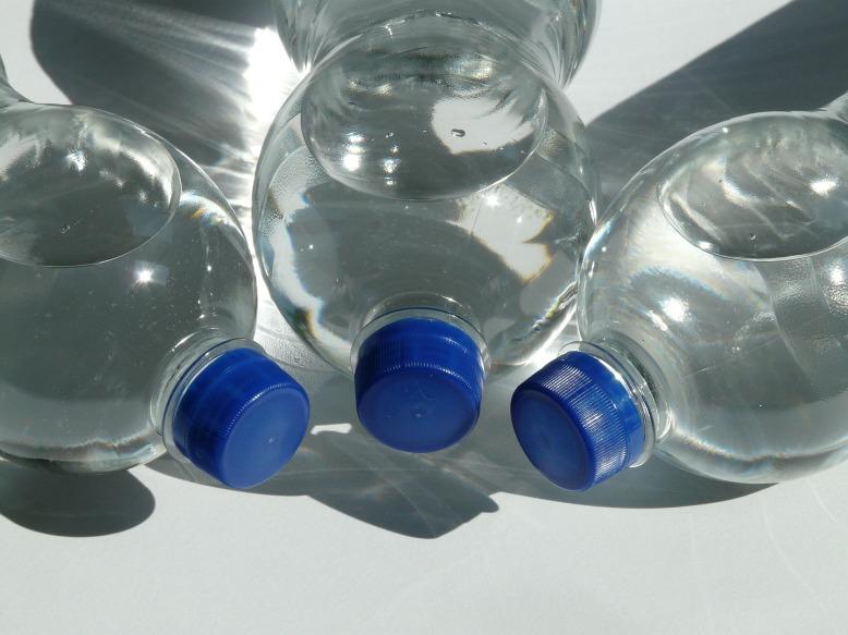 bottles-60475_1920
