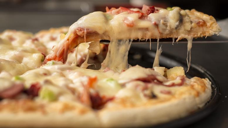 pizza-1317699_1920