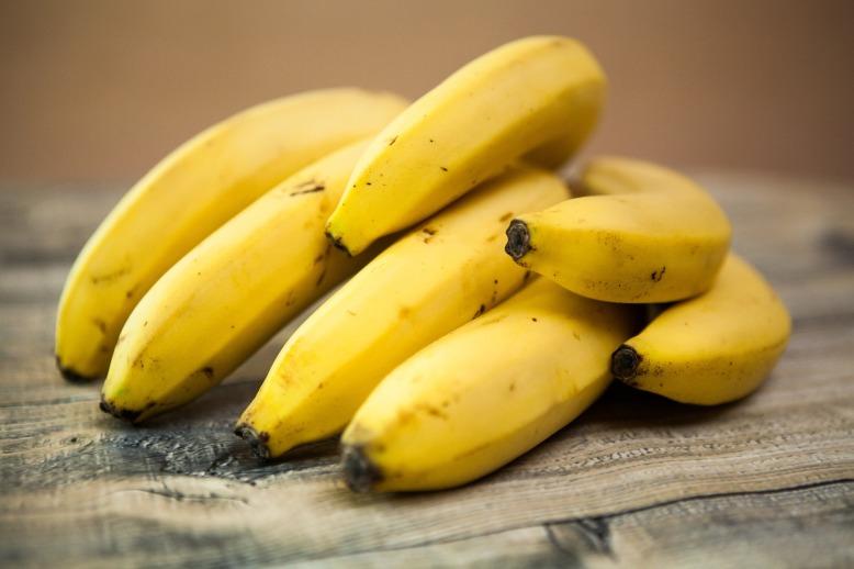bananas-1354785_1920